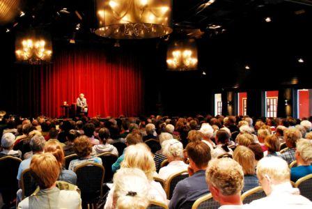 Met Hans Stolp is er altijd een mooie volle zaal met mensen